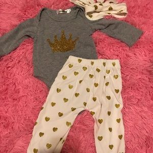 Other - Crown outfit